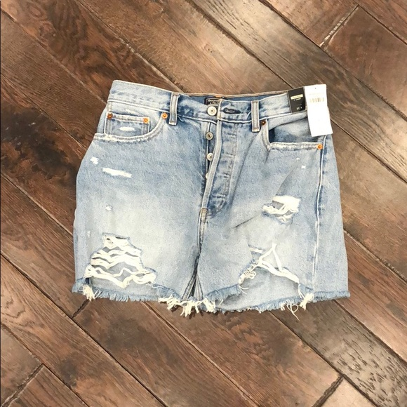 """Abercrombie & Fitch Pants - NWT Abercrombie & Fitch High Rise 4"""" Short"""
